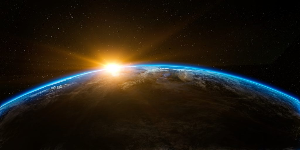 Bumi dan segala isinya diciptakan untuk saling berkorelasi