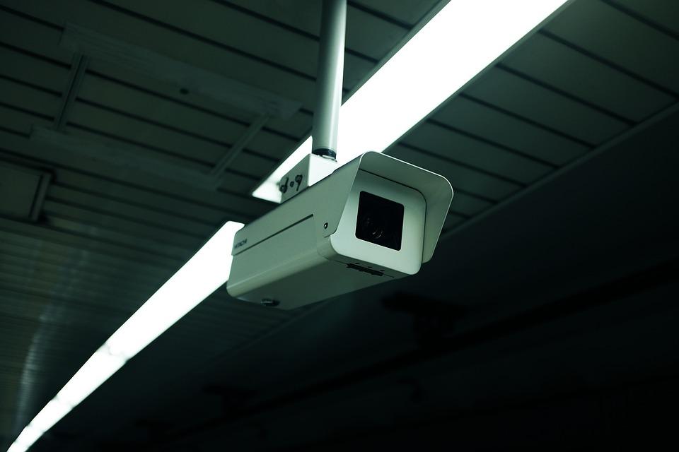 Kami melihat hasil rekaman CCTV Rumah Sakit, dan apa yang kami lihat membingungkan