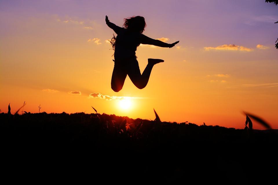 Membahagiakan diri sendiri bukanlah hal yang salah selama masih menjadi pacar