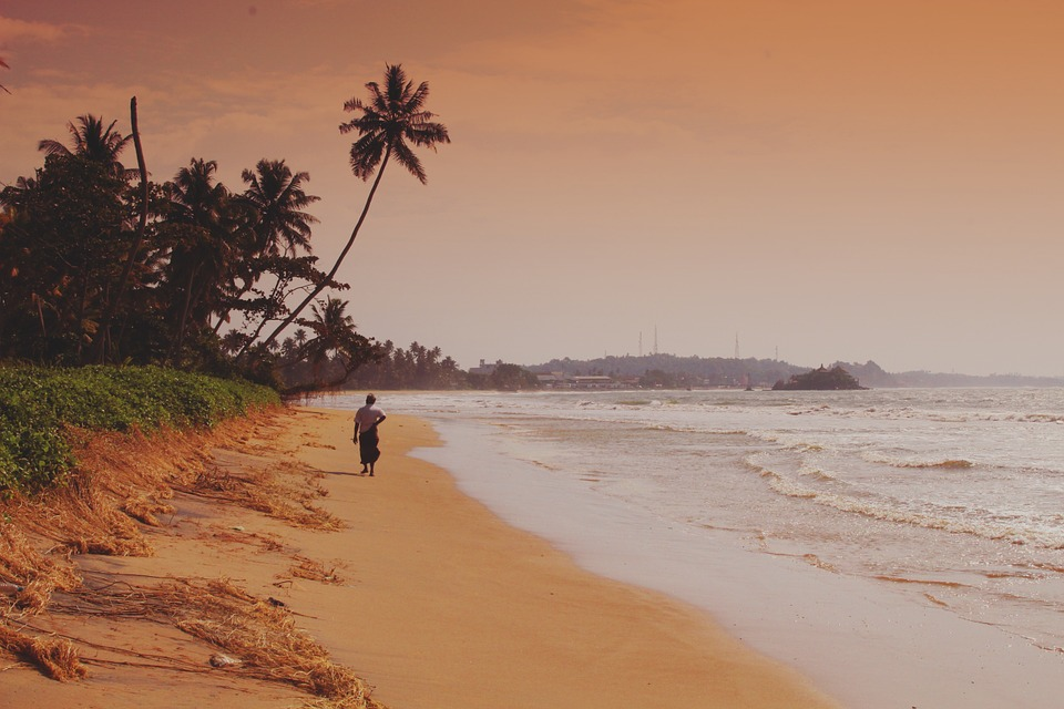 Menyendirilah di pantai