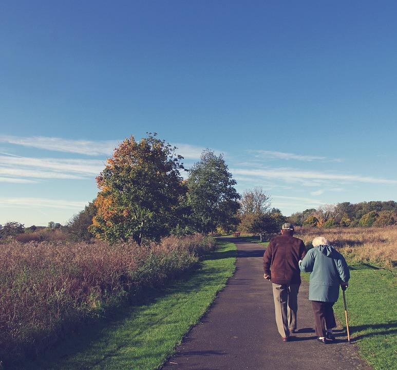 Tumbuh dan menjadi tua bersama adalah impian yang harusnya dicapai banyak pasangan
