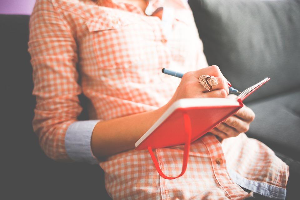 Diam, menuliskan, dan merenungkan segalanya itu penting