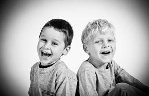 Kenapa manusia bisa ketawa? Kenali Penyebab Bahasa Universal yang Menandakanmu Bahagia