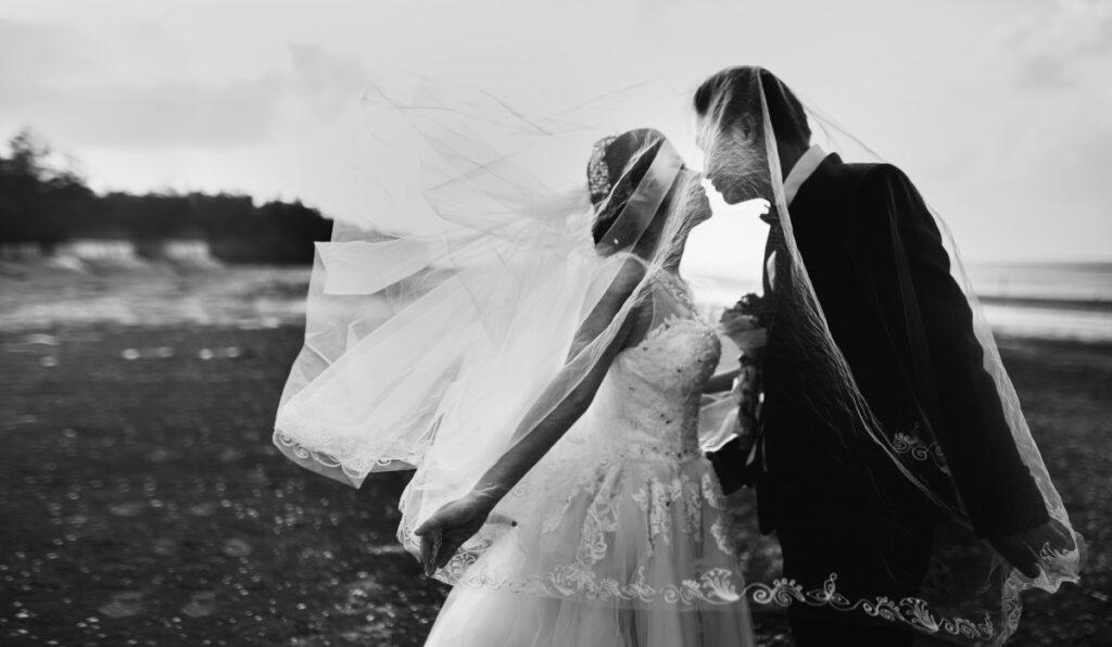 Yakinkan dirimu dan dirinya bahwa pernikahan adalah petualangan baru