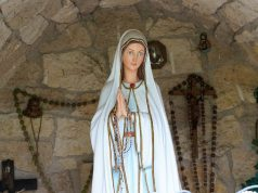 Riddle 4: Patung Maria Akan Menoleh Jika Mendengarkan Bunyi Lonceng 12 Kali?