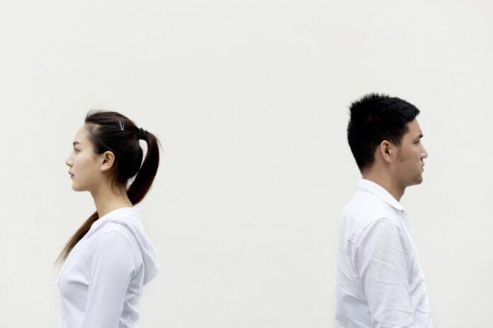 Berpotensi Rusak Hubungan, Ini Alasan Lain Kenapa Kamu Tak Perlu Berbicara Tentang Mantan di Depan Pacar Barumu